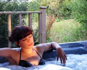 hot-tub-uisce-hour
